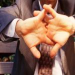 Causas de tronarse los dedos….